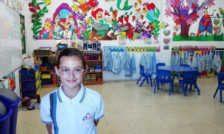 Deportes: «Lucía Rodríguez», Subcampeona de Canarias de Patinaje, entrevistada por sus compañeras Carolina Prieto e Isabella Ballesteros, alumnas de 3º de Primaria